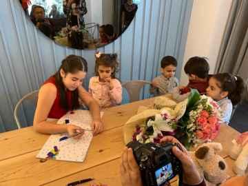 Projemiz Zeynep kızımızın yazdığı kitabın 23 Nisanda çocuk bayramında imza günü yaptık